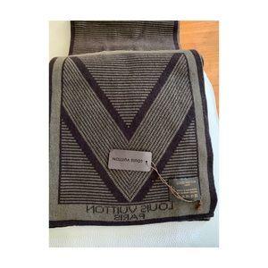 Louis Vuitton's Men's Scarf